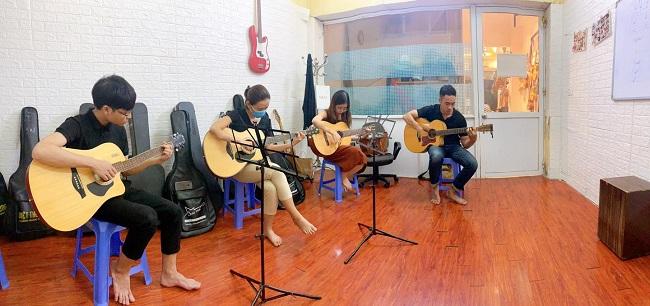 Guitar Sao Mai