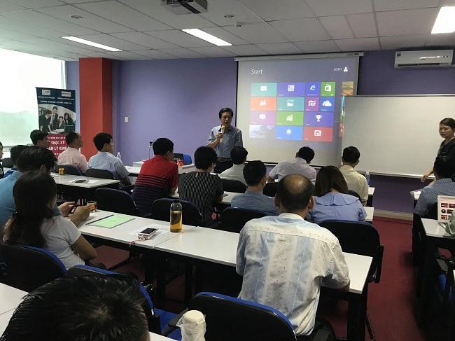 Lớp học MBA tại Đại học Công nghệ Đông Á