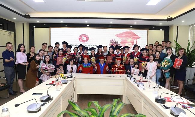 Lễ tốt nghiệp khóa học MBA tại Đại học Ngoại Thương