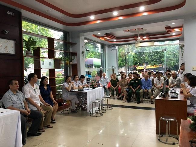 Khám bệnh tại Đông y Nguyễn Hữu Toàn