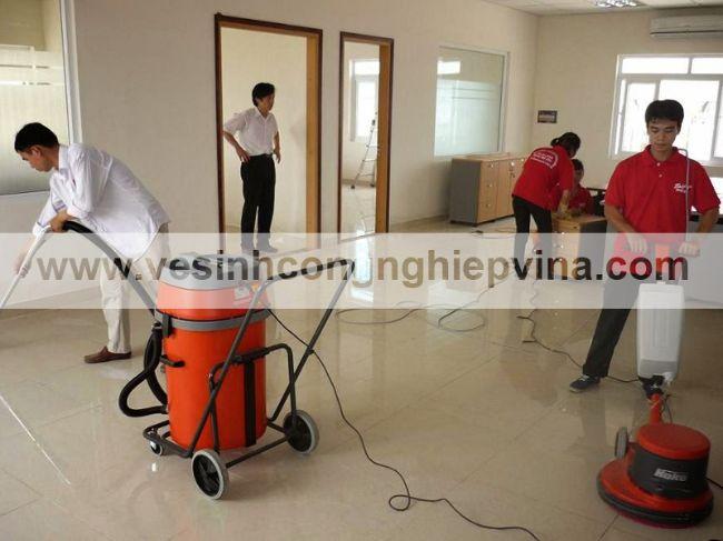 Công ty dịch vụ vệ sinh tại TPHCM Vina Tân
